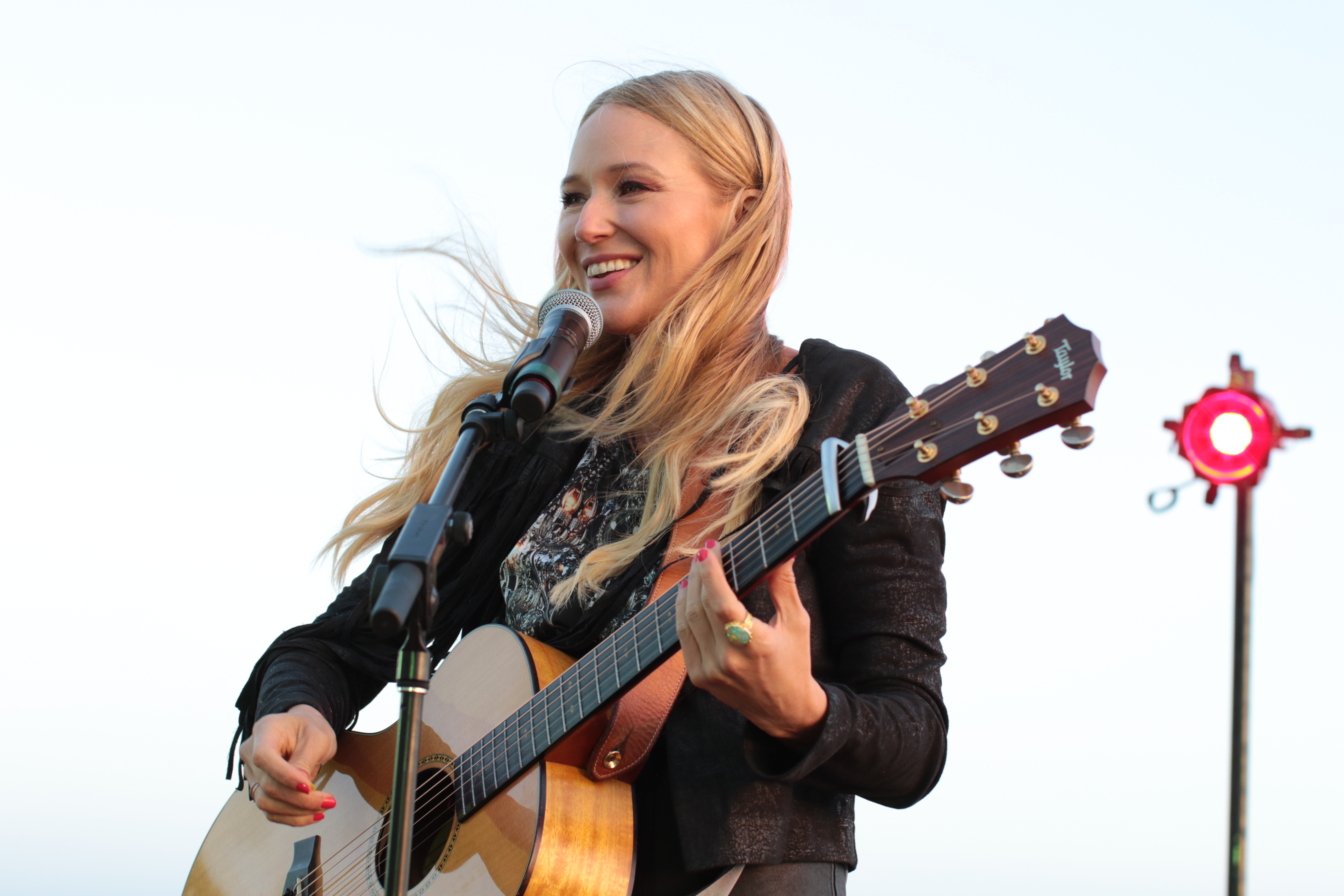 Jewel gave an unforgettable performance!